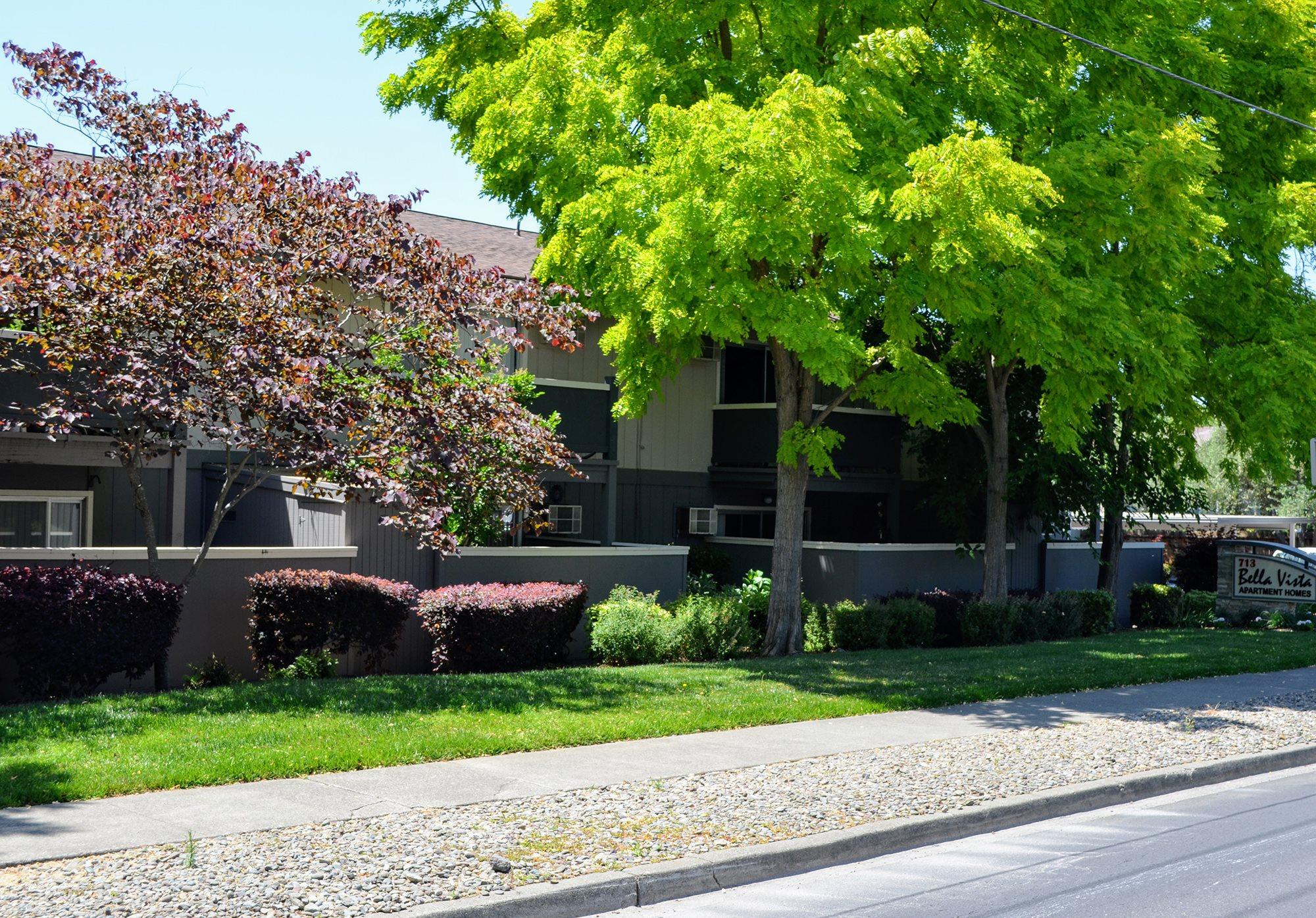 Landscaping with Greenery at Bella Vista Apartment Homes, Napa, CA, 94558