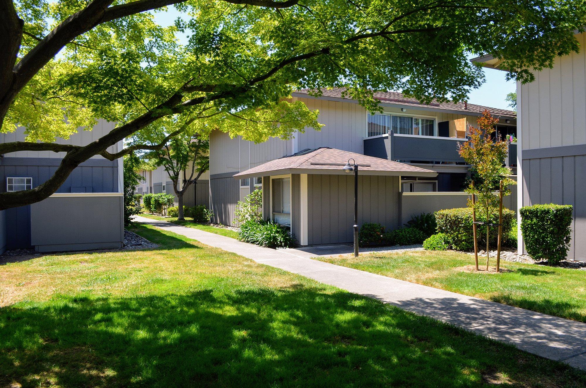 Amazing Outdoor Spaces at Bella Vista Apartment Homes, Napa, California