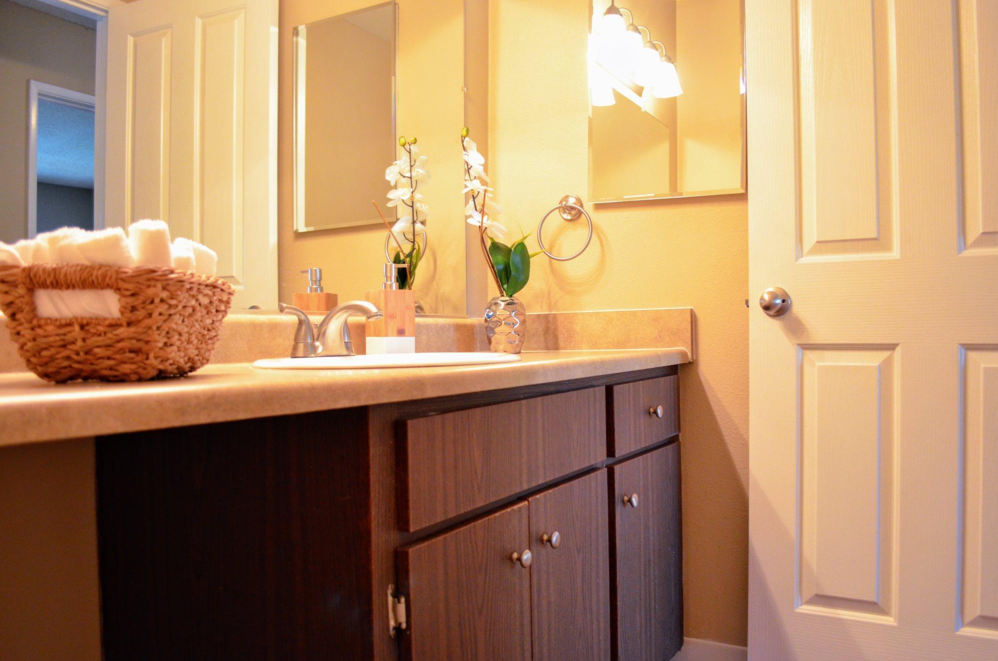 Bathroom Accessories at Bella Vista Apartment Homes, Napa
