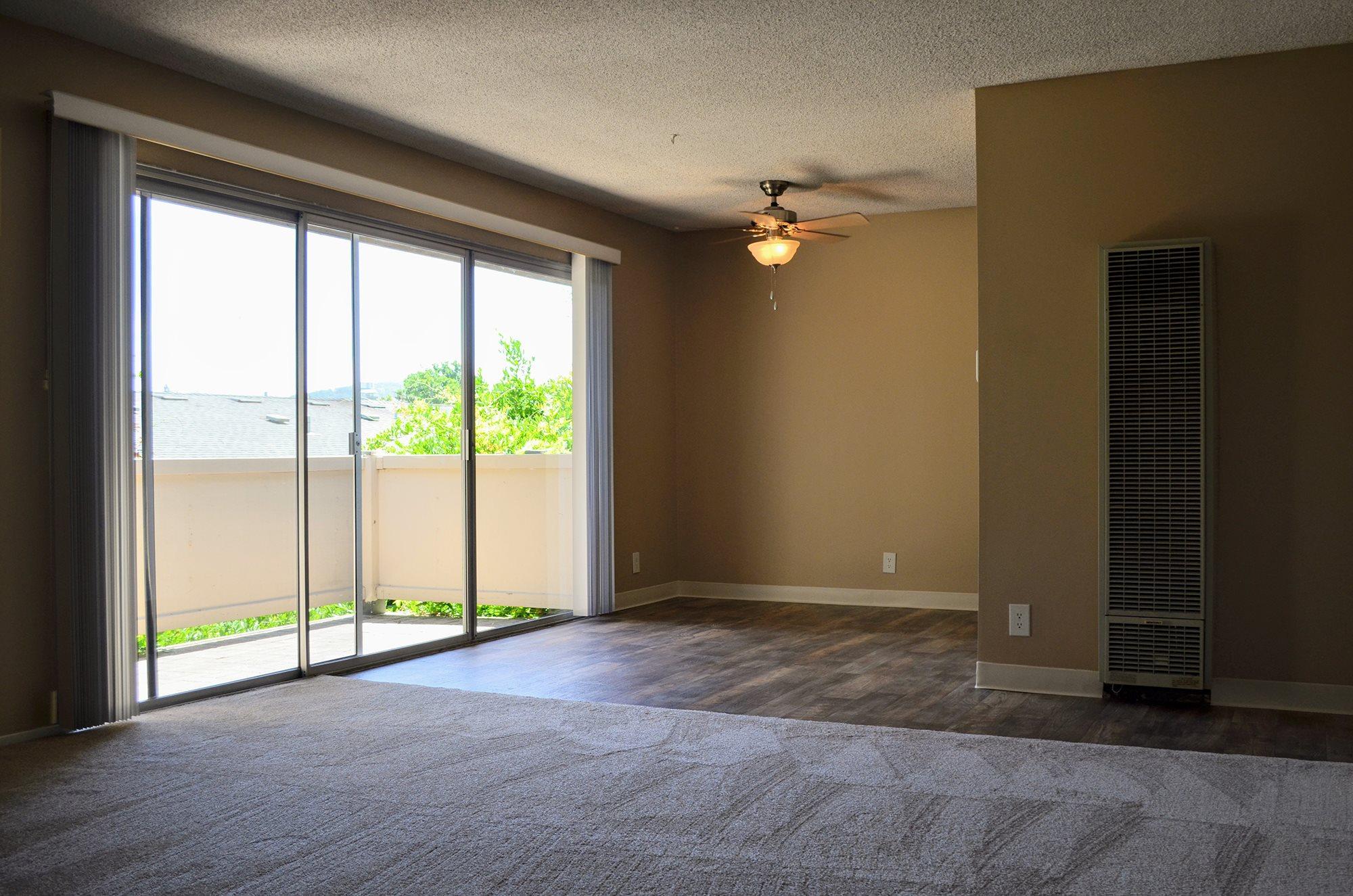 Lush Wall-to-Wall Carpeting at Bella Vista Apartment Homes, Napa, California