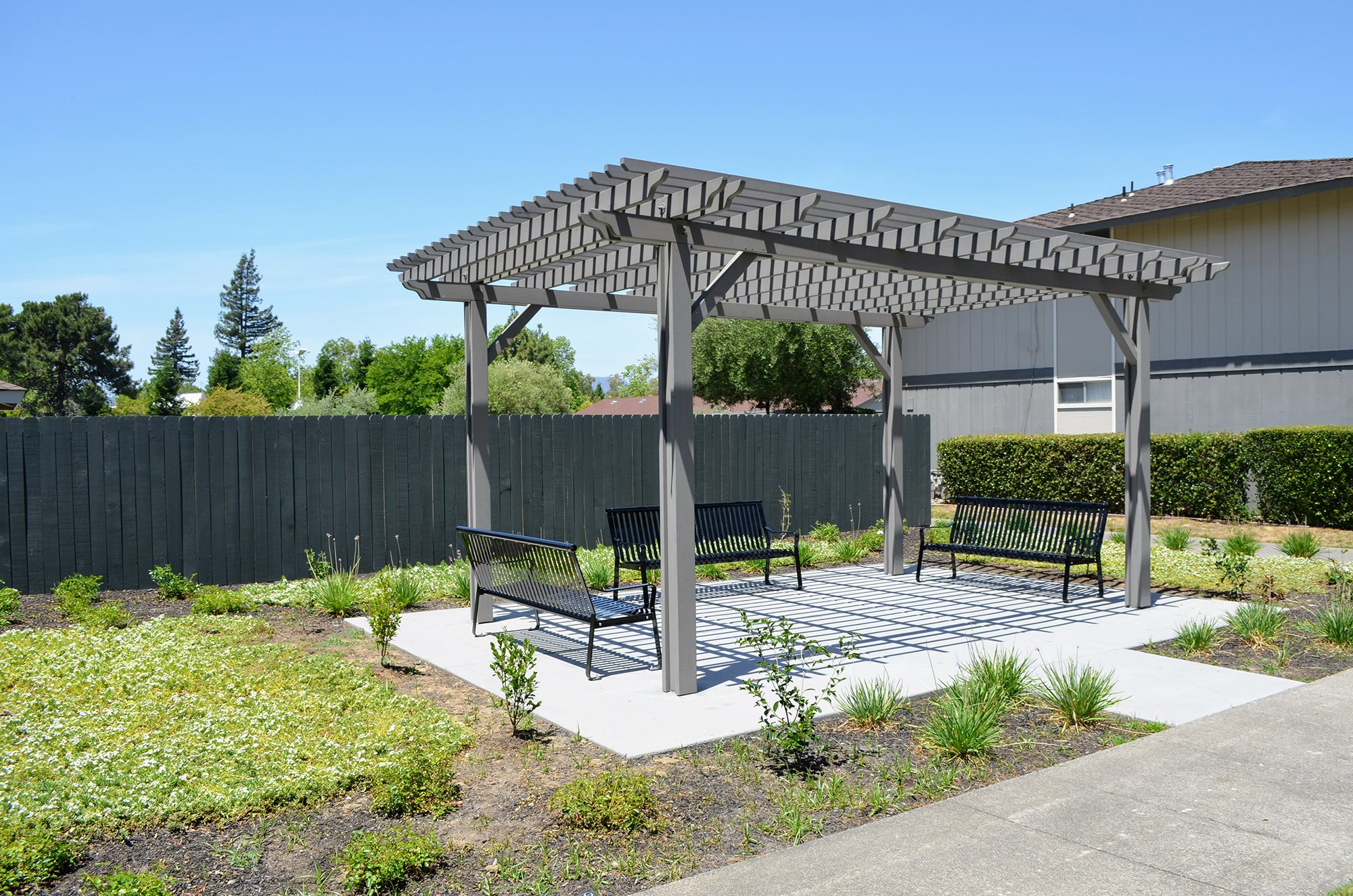Outside Relaxing Area at Bella Vista Apartment Homes, California