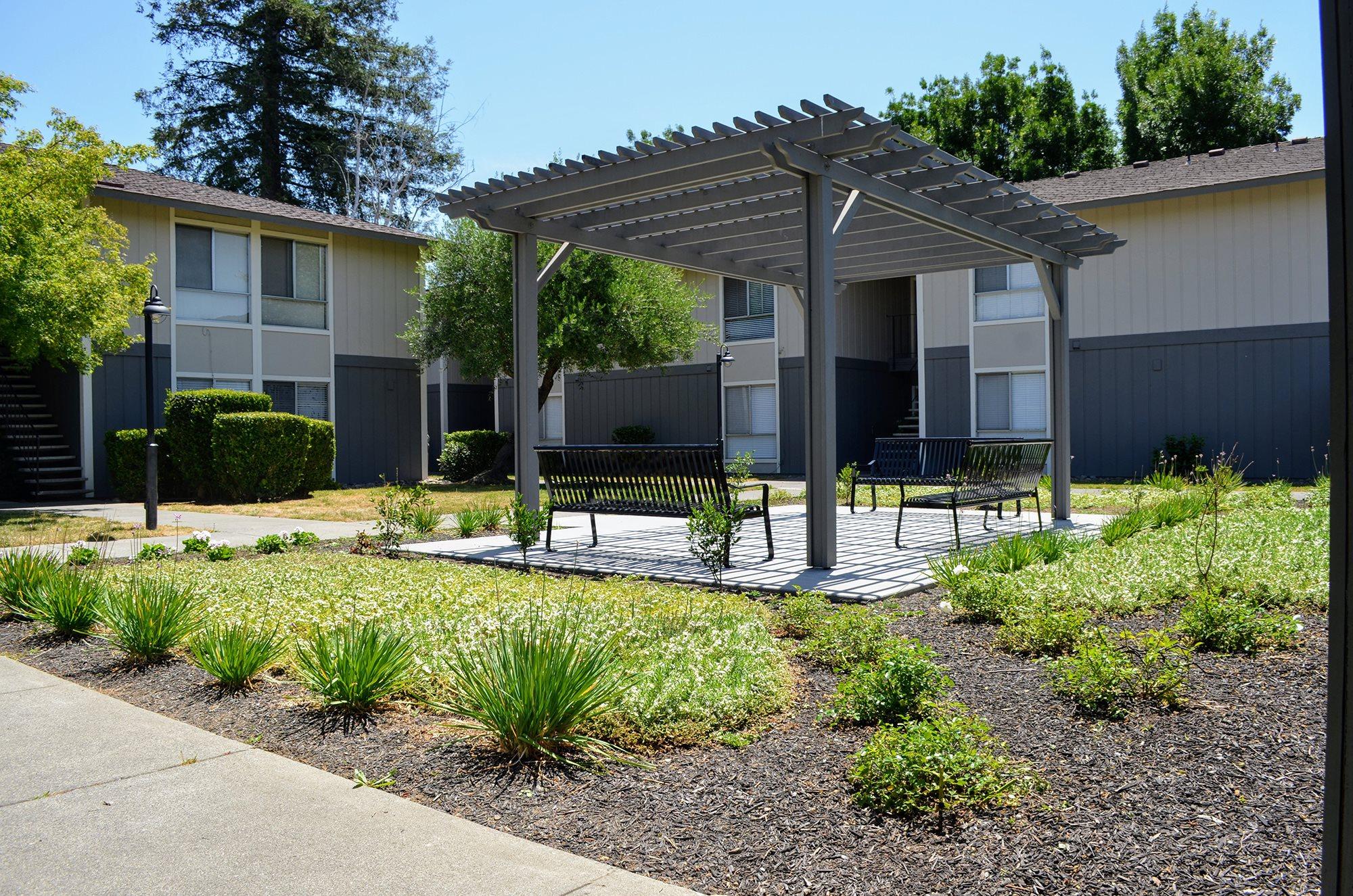Custom Built Planters at Bella Vista Apartment Homes, California, 94558