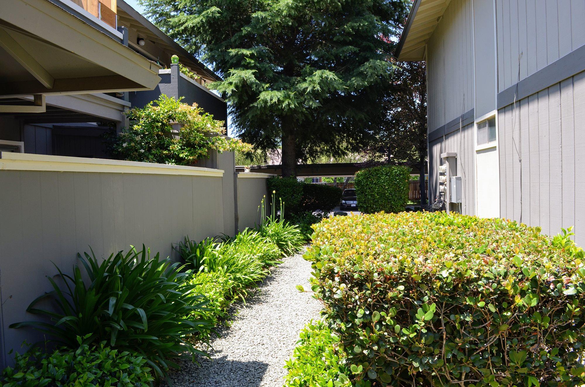 Grass Path at Bella Vista Apartment Homes, Napa, CA, 94558