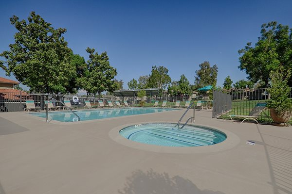Swimming Pool at Country Hills Apartments in Corona, California