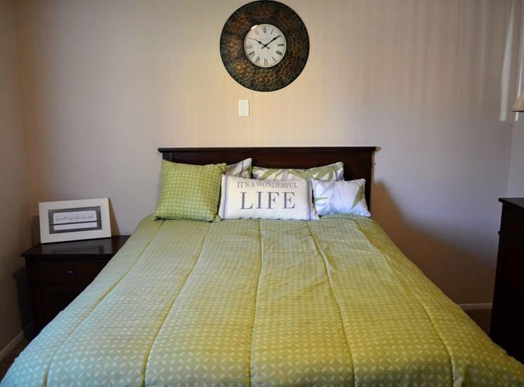Live in Cozy Bedroom at Morning View Terrace Apartments, Escondido, California