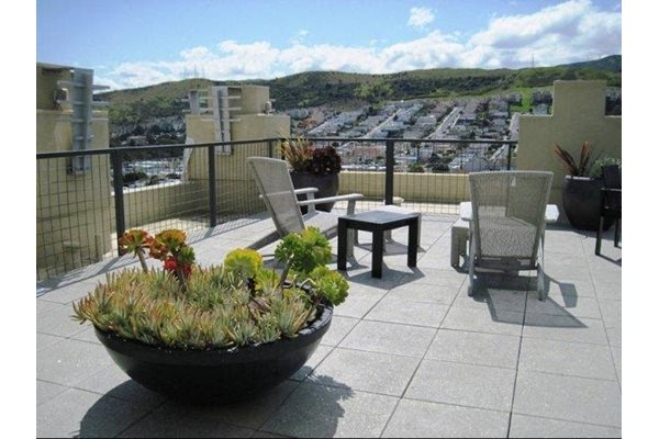 Rooftop Sun Deck pacific place bayshore apartments, Daly City, CA, 94014