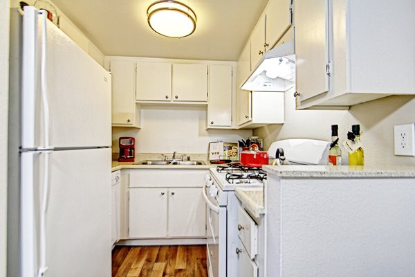 Fully equipped kitchen at Sage Canyon, 92591