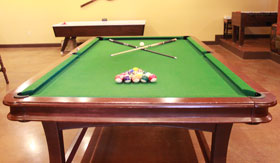 Apartments in San Angelo with pool table