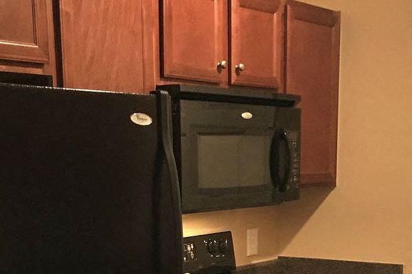Centerville Manor Apartments Virginia Beach, VA 23464 built-in microwaves