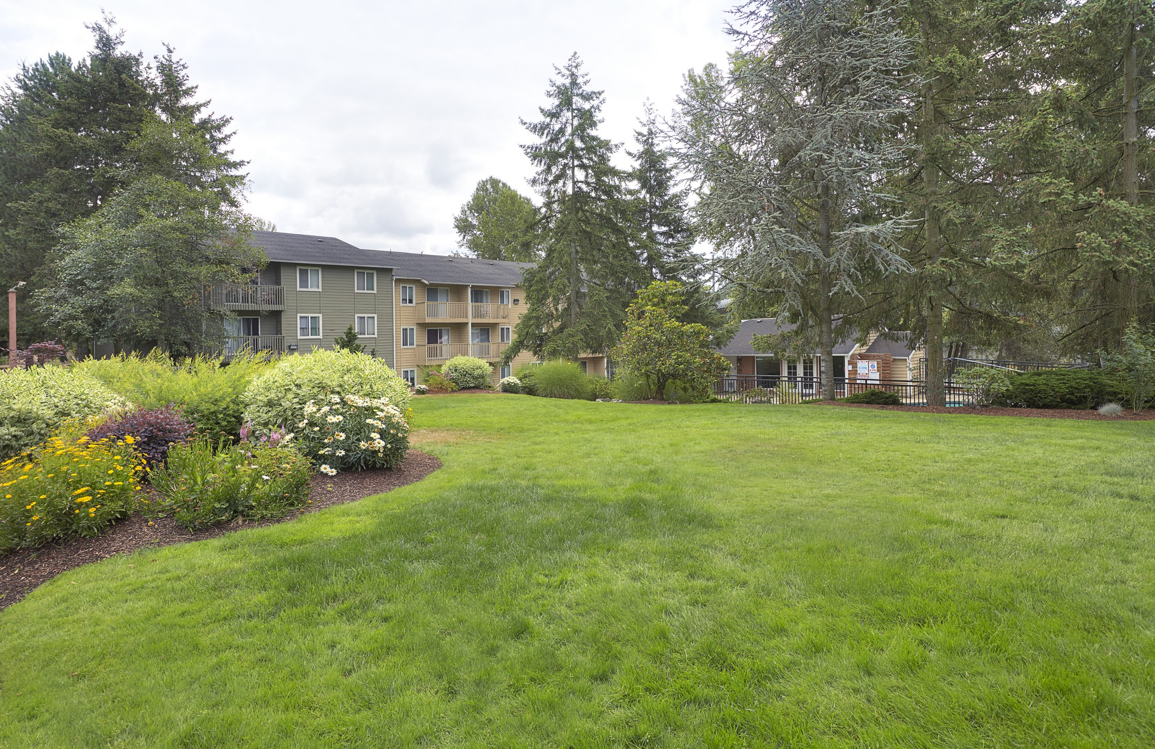 Beautifully Landscaped Grounds at The Boulevard At South Station, Tukwila, 98188