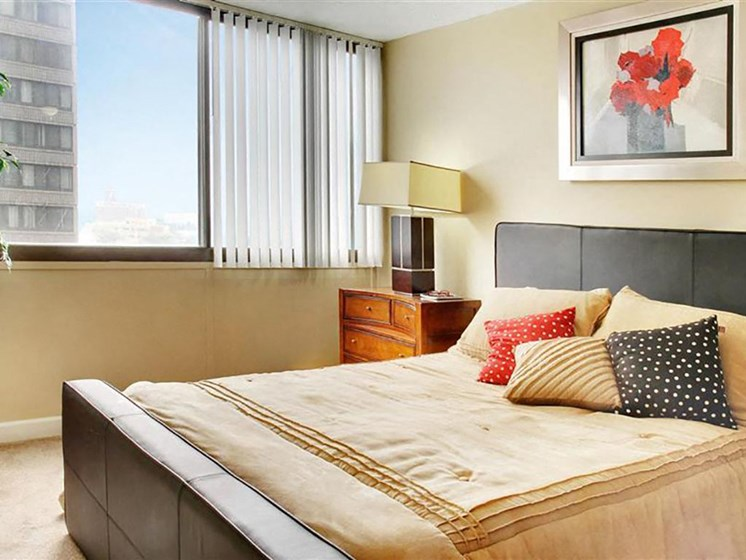 Large Comfortable Bedrooms at Reserve Square, Cleveland Ohio