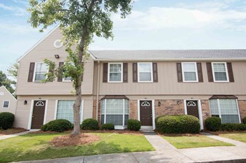 1202 Wexford Hills Pkwy 1-3 Beds Apartment for Rent Photo Gallery 1