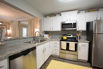47 Spalding Trail NE 1-3 Beds Apartment for Rent Photo Gallery 1