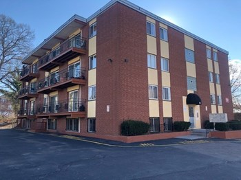 85 Tennis Rd. 1-2 Beds Apartment for Rent Photo Gallery 1