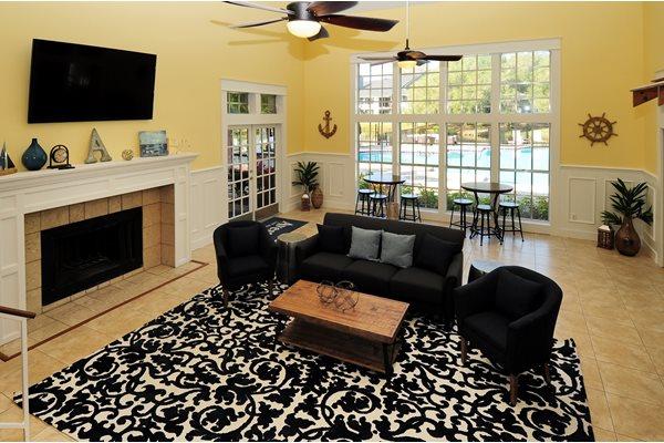 Living Room | Avesta Bay Crossing Apartments Tampa, Fl