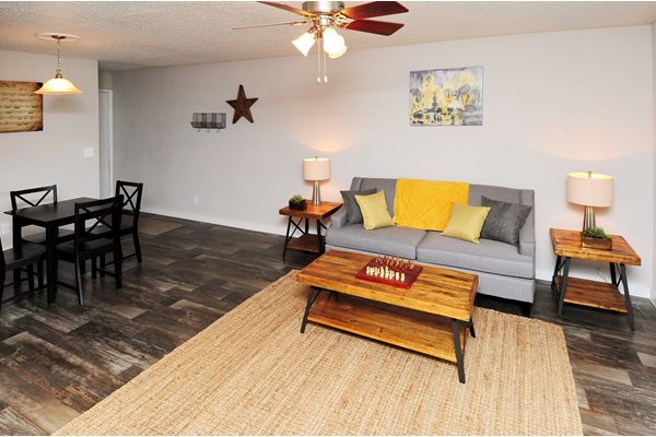 Leasing Office | Avesta Bay Crossing Apartments Tampa, Fl
