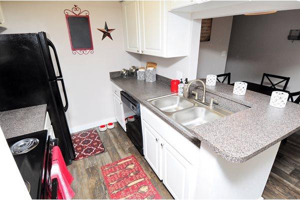 Kitchen 3 | Avesta Bay Crossing Apartments Tampa, Fl