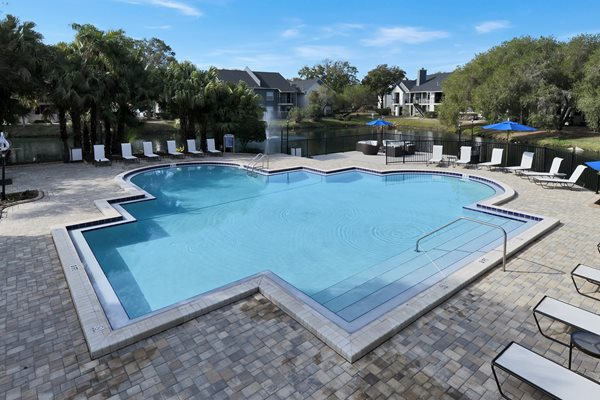Resort Style Pool | Avesta Bay Crossing Apartments Tampa, Fl