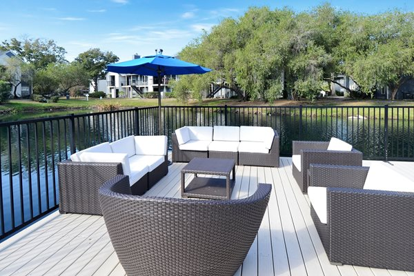 Sundeck Sitting Area | Avesta Bay Crossing Apartments Tampa, Fl