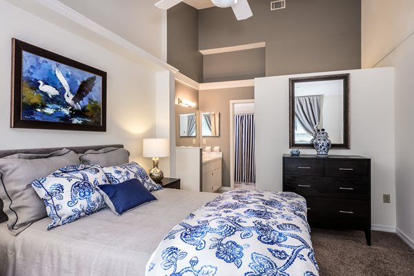 Huntington Lakes Apartments in Gainesville, FL