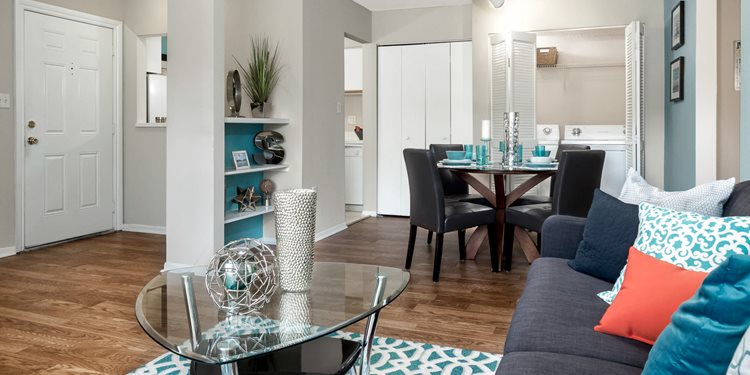 Summerlin at Winter Park Apartments Theme Left Image 118