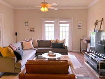 2555 SW 76Th Street 2 Beds Condo for Rent Photo Gallery 1