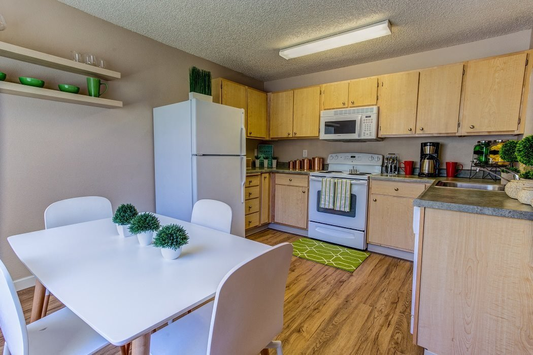 Separate Dining Area, at Commons at Timber Creek Apartments, Portland, Oregon