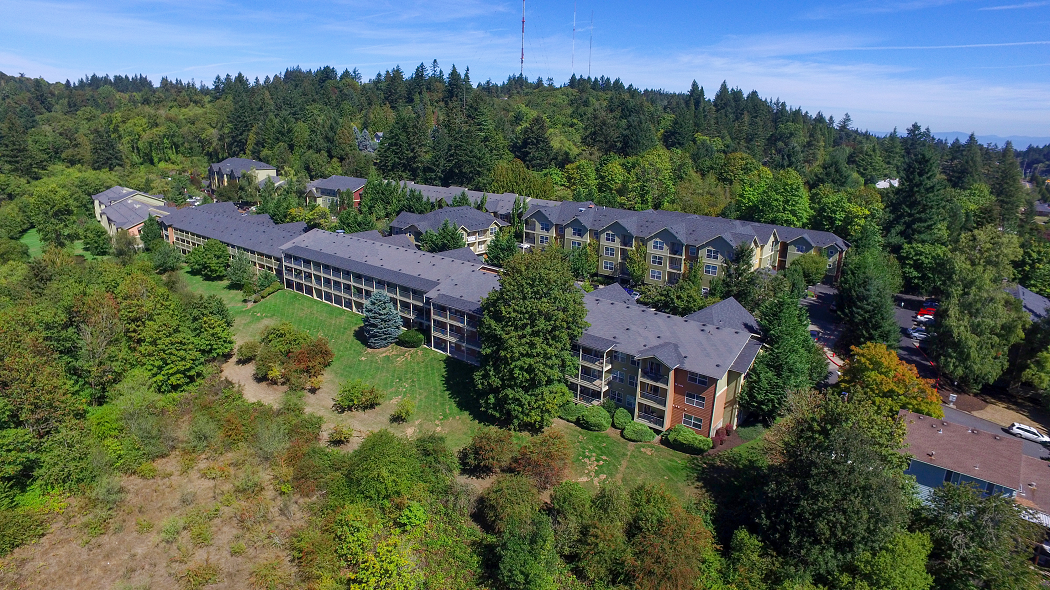 Luxury Studio Apartments in Portland, Commons at Sylvan Highlands