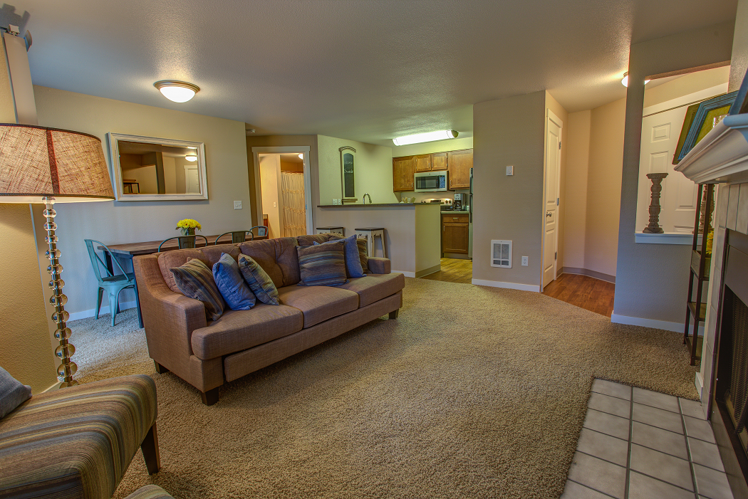 Commons at Avalon Park Apartments in Tigard Oregon