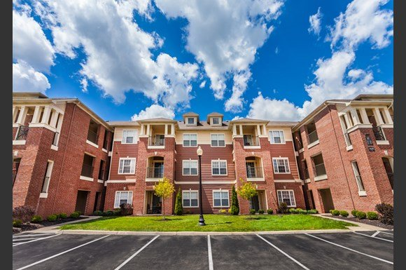 Spring Mill Apartments Indianapolis