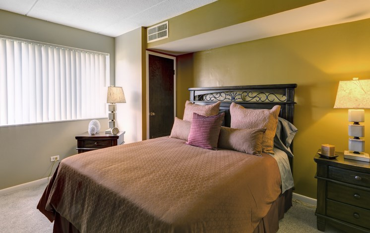 Master bedroom at Fox Crest Apartments in Waukegan, IL