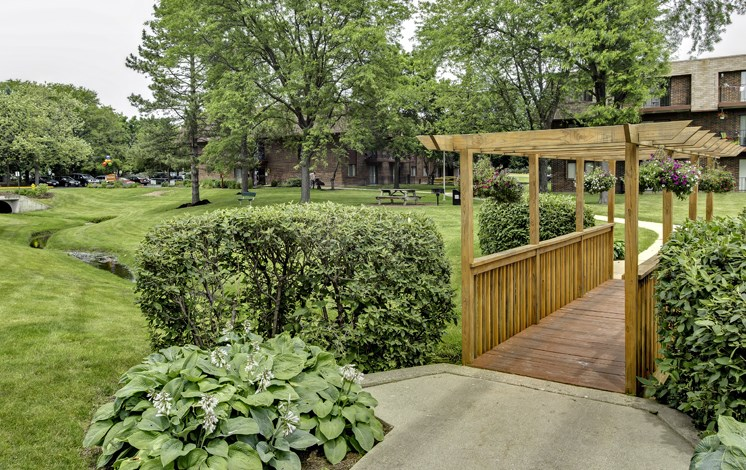 Scenic Landscaping at Fox Crest Apartments in Waukegan, IL