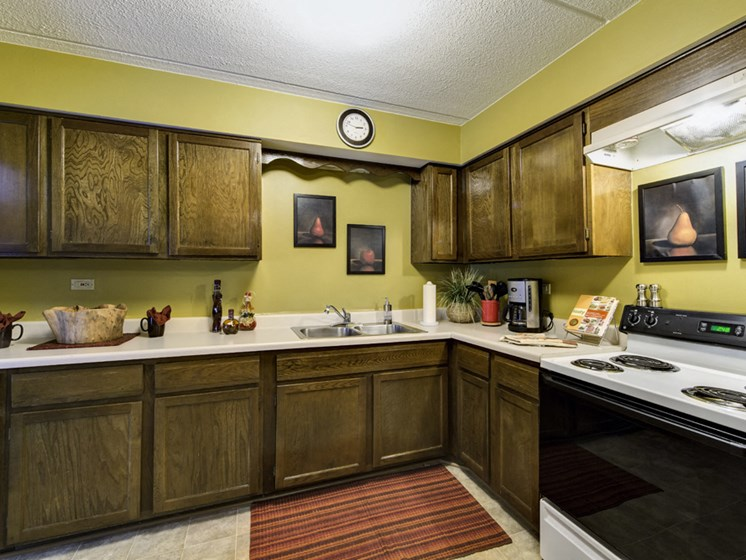 Apartments in Waukegan, IL kitchen and stove