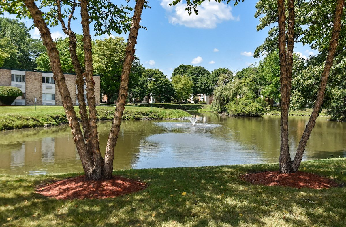pond with waterfall at Harbor Lake Apartments in Waukegan, IL