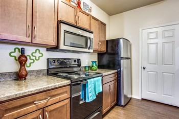 3030 Claremont Dr 1-3 Beds Apartment for Rent Photo Gallery 1
