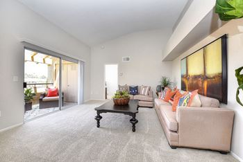 27550 Hillcrest 1-2 Beds Apartment for Rent Photo Gallery 1