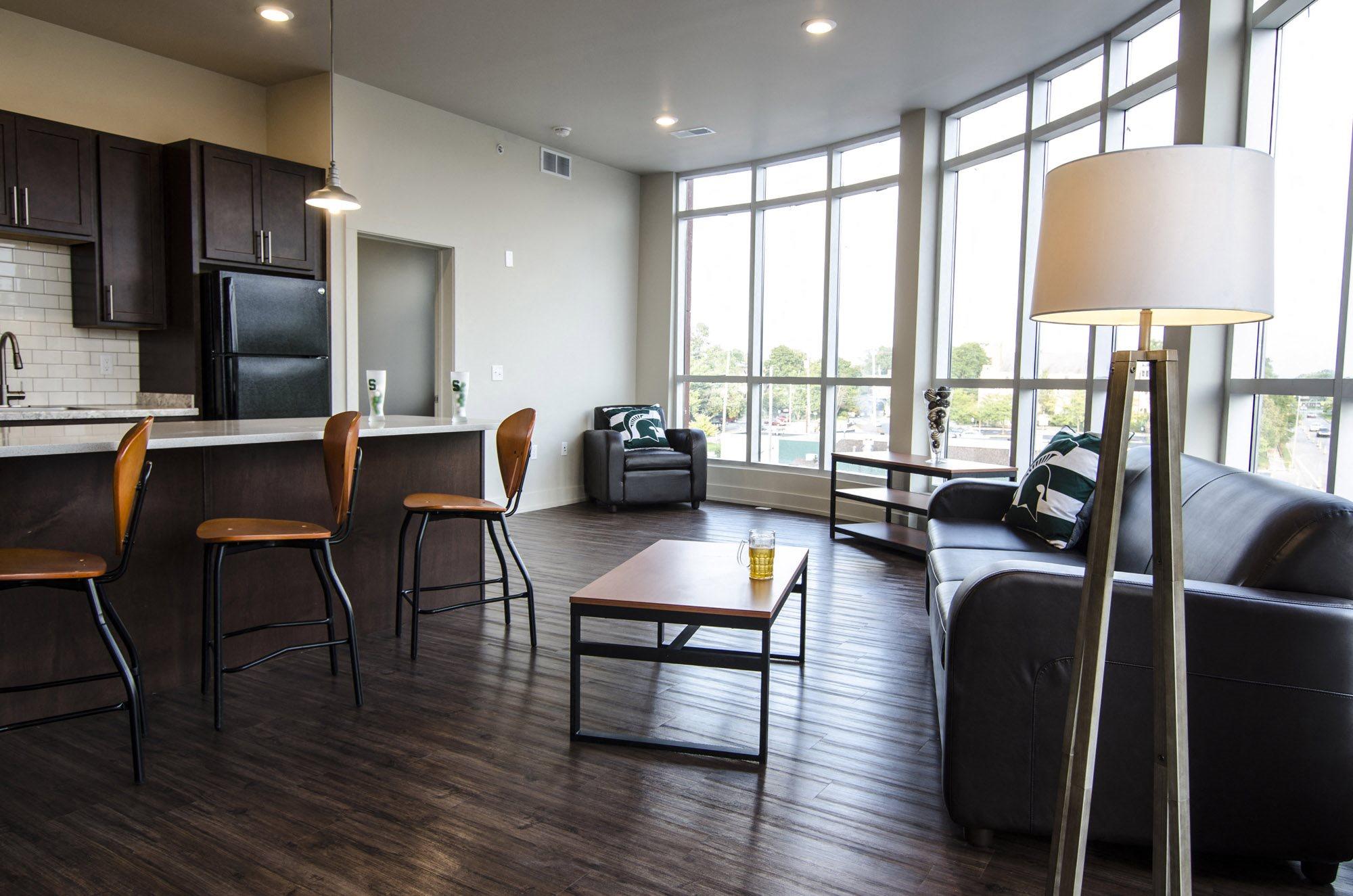 300 Grand  Apartments In East Lansing, Mi-9393