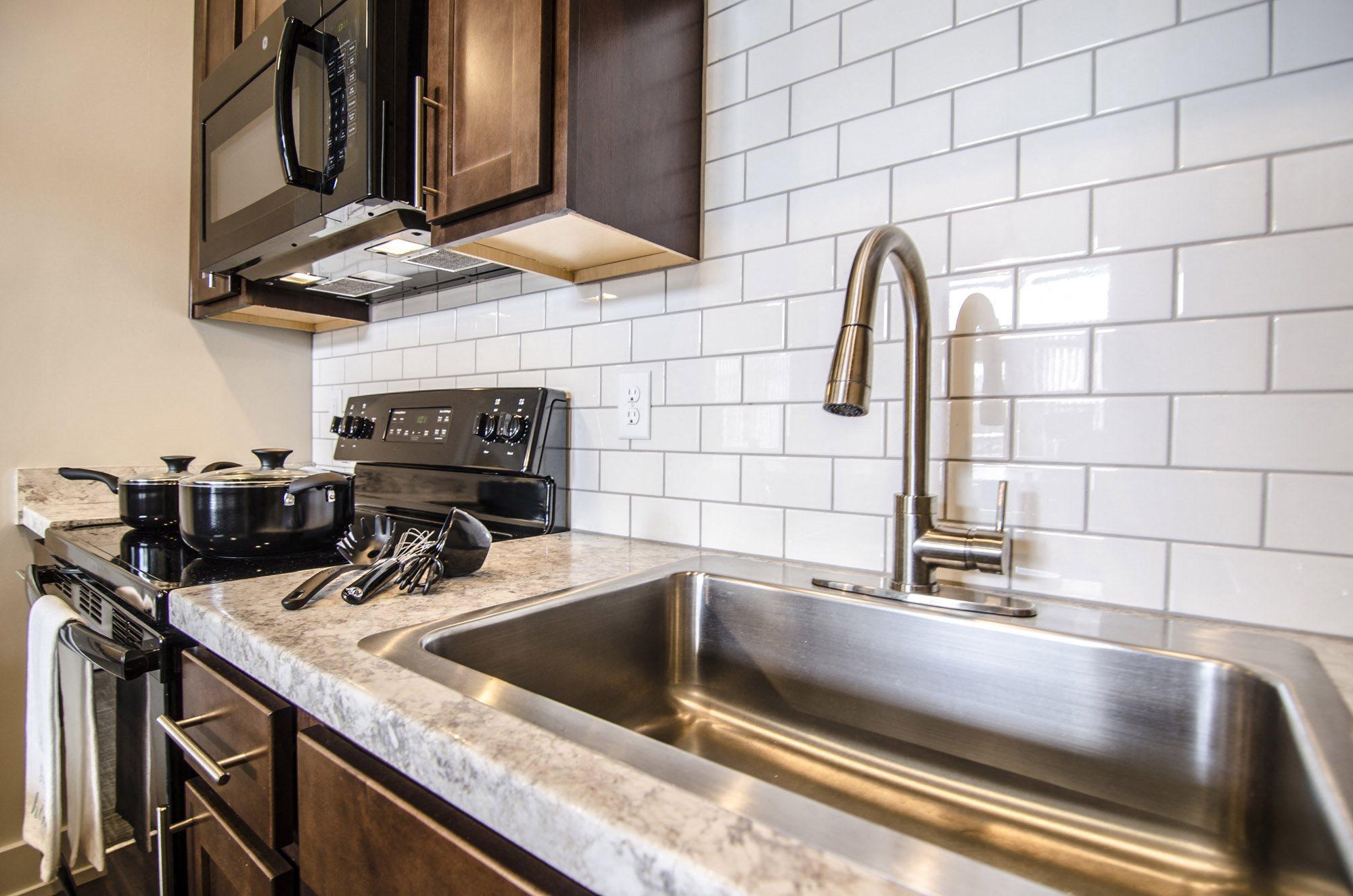 300 Grand  Apartments In East Lansing, Mi-8341