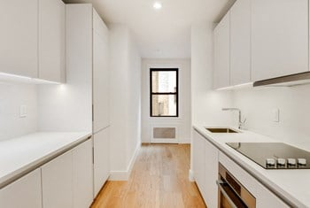 40 Linden Blvd 1 Bed Apartment for Rent Photo Gallery 1