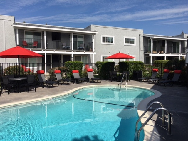 Apartments in Oceanside, CA l The Pointe at 2316