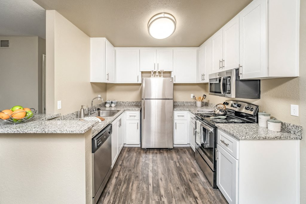 2x2 Kitchen | Cameron Oaks apts in Cameron Park, CA