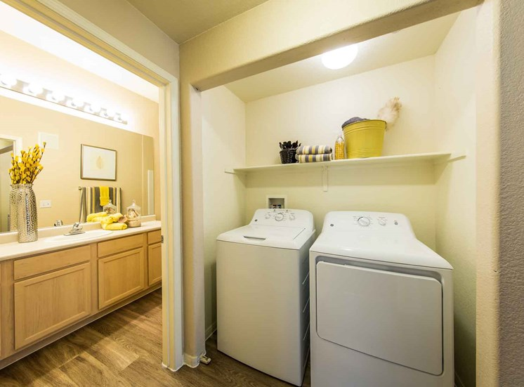 Apartments in Las Vegas, NV | The Clubs at Rhodes Ranch | Laundry