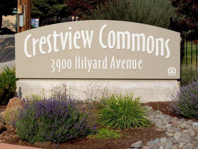 Entry Sign l Crestview Commons Apartments in Klamath Falls OR