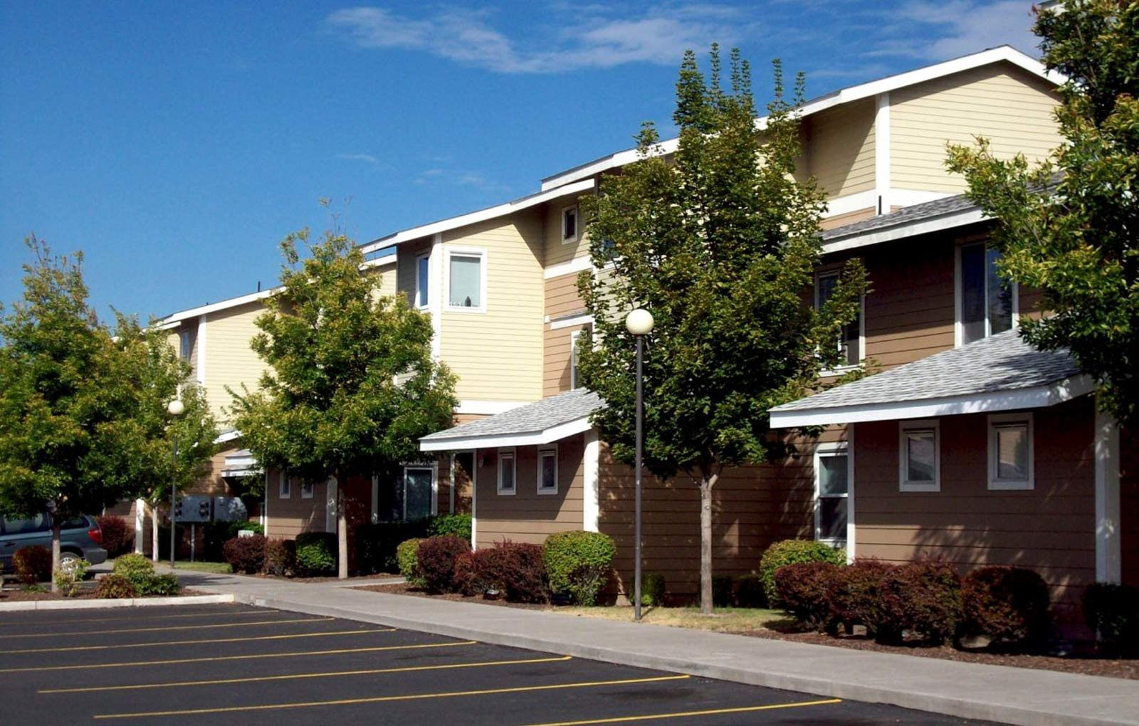 Exterior Building l Crestview Commons Apartments in Klamath Falls OR