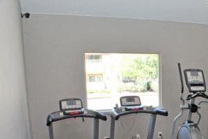Apartments For Rent in Sacramento - La Provence Fitness Center