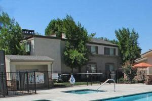 Sacramento CA Apartments For Rent - La Provence Pool