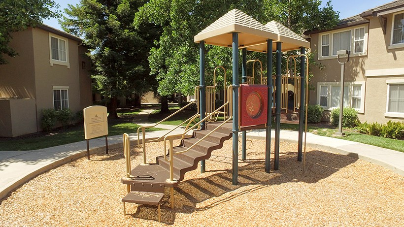 CA_ELKGROVE_LakePoint_Play Park