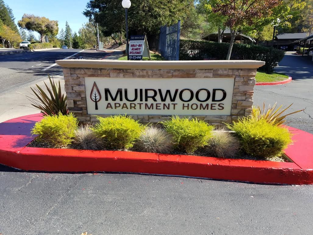 Monument Sign l Muirwood Garden Apartments Martinez CA