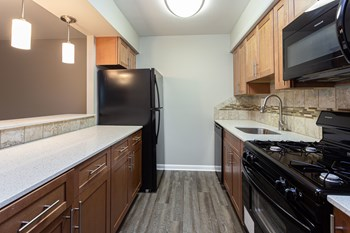 2901 Welsh Road Studio Apartment for Rent Photo Gallery 1