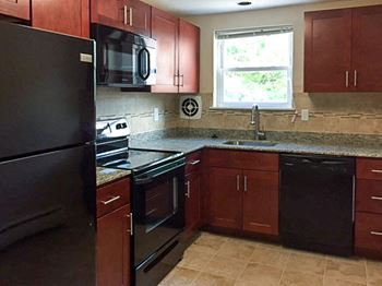 1521 W. Main Street 1-2 Beds Apartment for Rent Photo Gallery 1